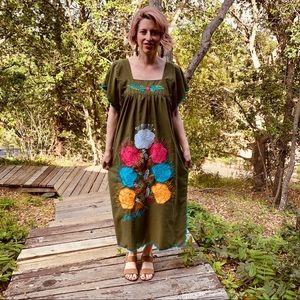 Vtg 70s Ethnic embroidered Maxi Dress S M L